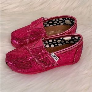 Toms •Toddler glitter sneakers